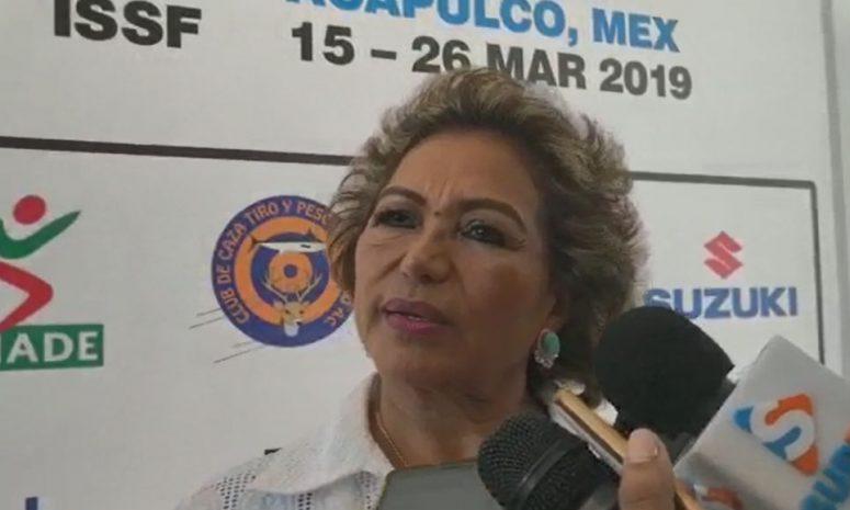 """""""Los perros ladran"""", insiste Adela Román de abucheos en su contra"""
