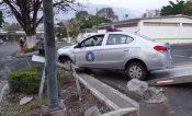 Localizan auto de la Fiscalía chocado en Chilpancingo