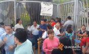 Paran empleados sindicalizados del gobierno de Acapulco y toman oficinas