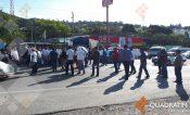 Bloquean habitantes de Petaquillas la carretera Chilpancingo-Acapulco