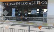 Los obligan a firmar permiso sin sueldo en La Casa de los Abuelos